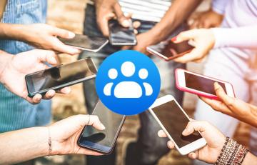 group of smartphones in a circle
